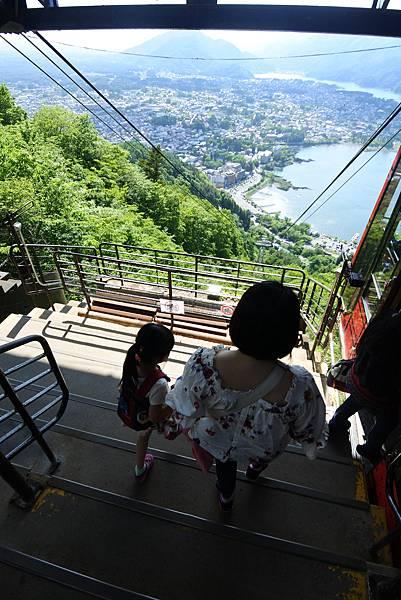 日本山梨県河口湖天上山公園 カチカチ山ロープウェイ (18).JPG