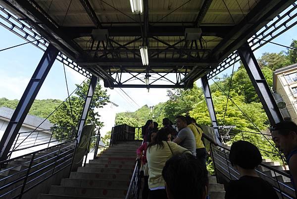 日本山梨県河口湖天上山公園 カチカチ山ロープウェイ (28).JPG