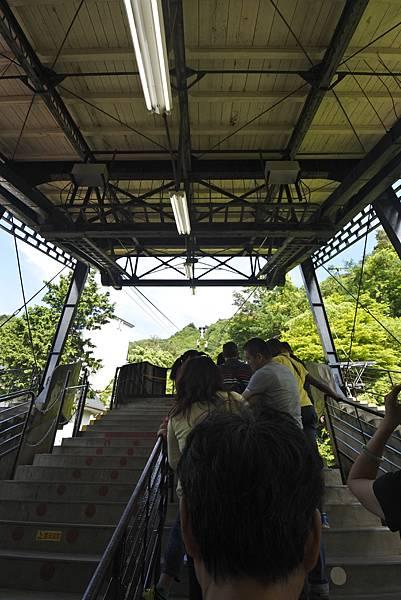 日本山梨県河口湖天上山公園 カチカチ山ロープウェイ (29).JPG