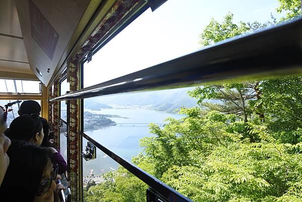 日本山梨県河口湖天上山公園 カチカチ山ロープウェイ (42).JPG