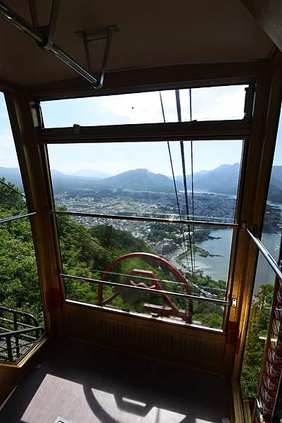 日本山梨県河口湖天上山公園 カチカチ山ロープウェイ (43).JPG
