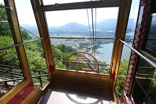 日本山梨県河口湖天上山公園 カチカチ山ロープウェイ (44).JPG