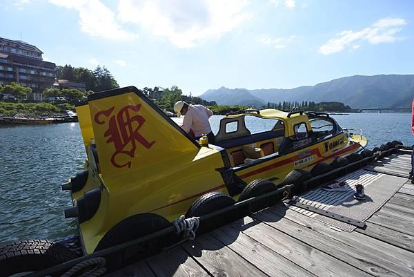 日本山梨県河口湖モーターボート (2).JPG