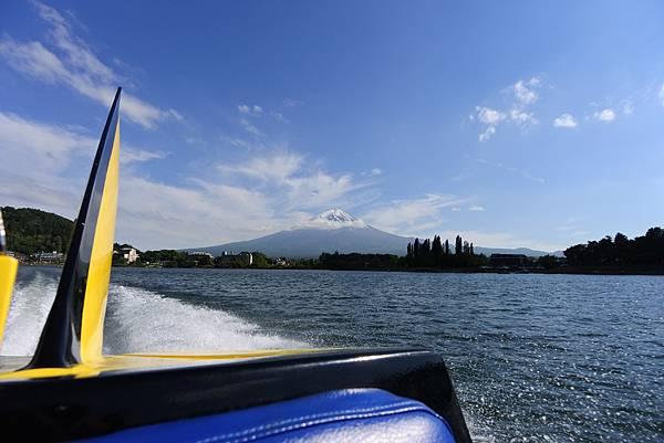 日本山梨県河口湖モーターボート (4).JPG