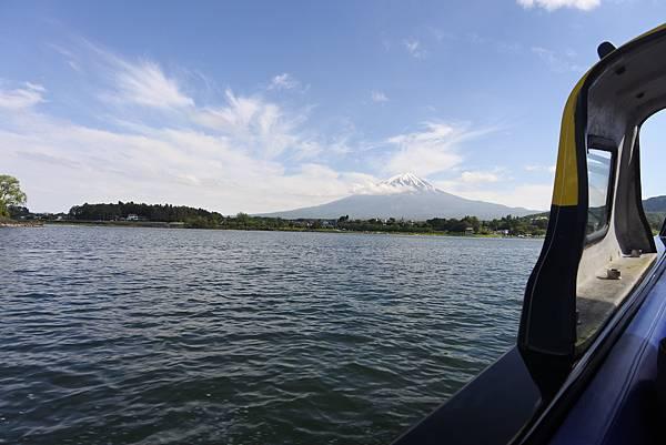 日本山梨県河口湖モーターボート (10).JPG