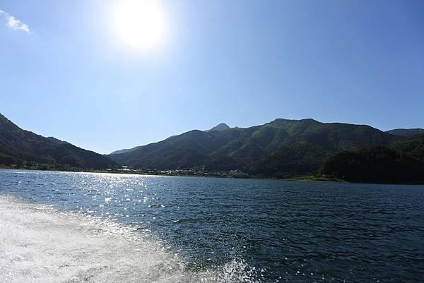 日本山梨県河口湖モーターボート (19).JPG