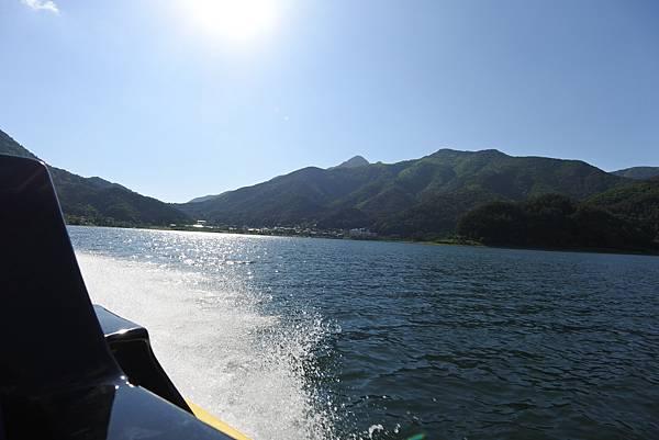 日本山梨県河口湖モーターボート (20).JPG