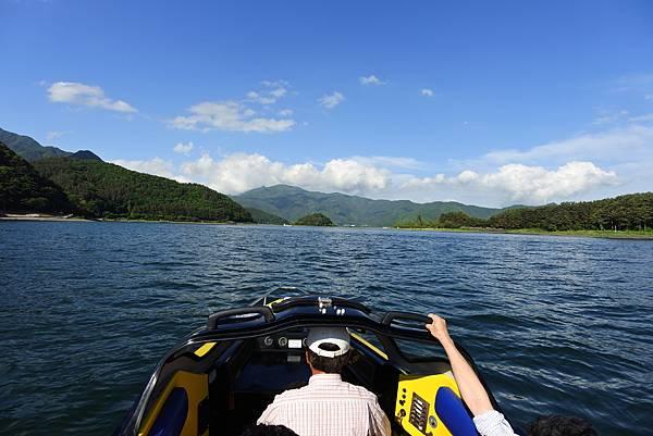 日本山梨県河口湖モーターボート (21).JPG