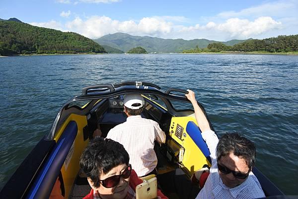 日本山梨県河口湖モーターボート (22).JPG
