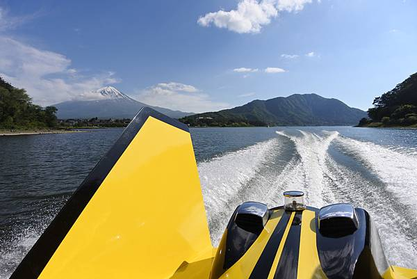 日本山梨県河口湖モーターボート (26).JPG