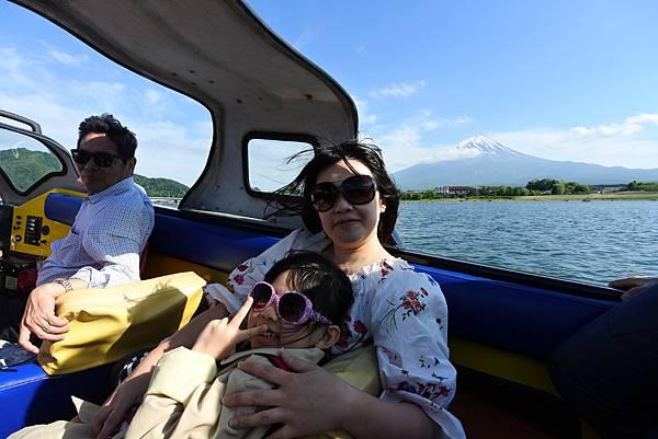 日本山梨県河口湖モーターボート (27).JPG