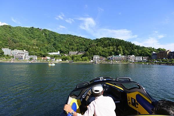 日本山梨県河口湖モーターボート (31).JPG