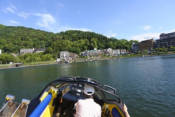 日本山梨県河口湖モーターボート (32).JPG