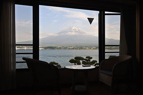 日本山梨県秀峰閣湖月:標準タイプ 和室 (1).JPG