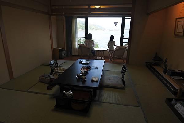 日本山梨県秀峰閣湖月:標準タイプ 和室 (12).JPG