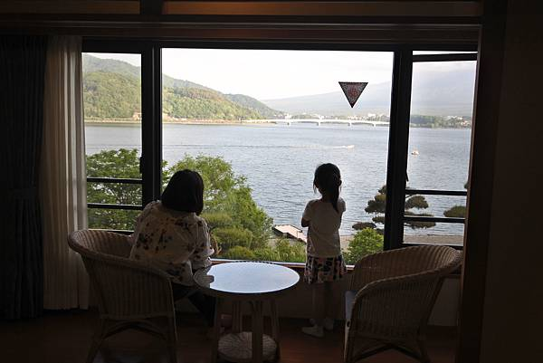 日本山梨県秀峰閣湖月:標準タイプ 和室 (14).JPG