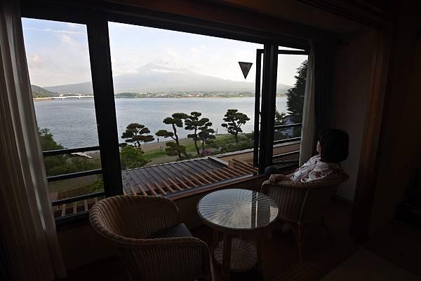 日本山梨県秀峰閣湖月:標準タイプ 和室 (20).JPG