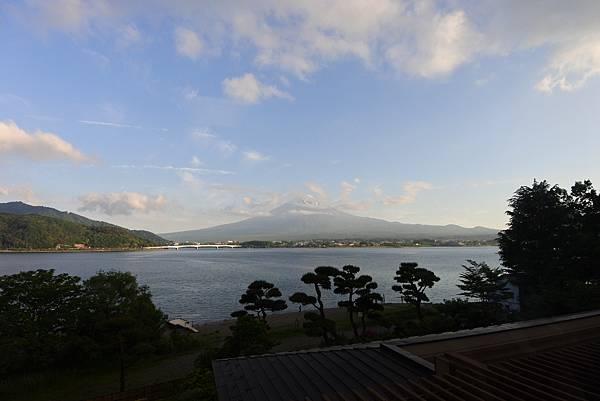 日本山梨県秀峰閣湖月:標準タイプ 和室 (21).JPG