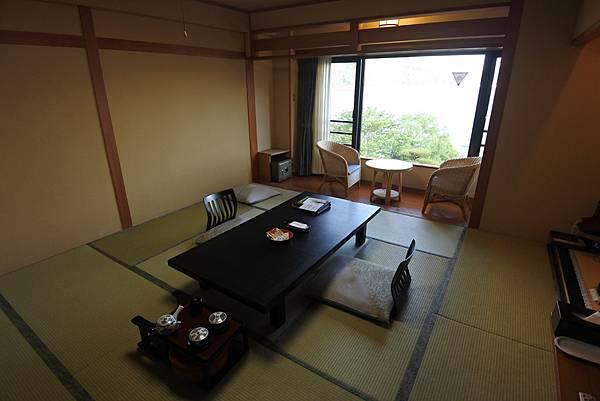 日本山梨県秀峰閣湖月:標準タイプ 和室 (31).JPG