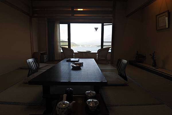 日本山梨県秀峰閣湖月:標準タイプ 和室 (34).JPG