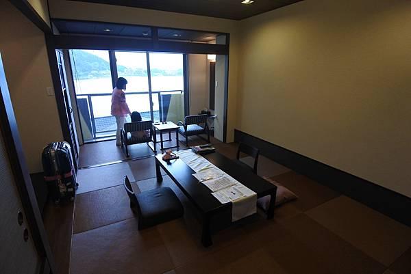 日本山梨県湖楽おんやど富士吟景:別亭「凛」和室 (5).JPG
