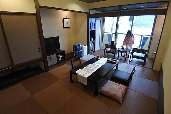 日本山梨県湖楽おんやど富士吟景:別亭「凛」和室 (6).JPG