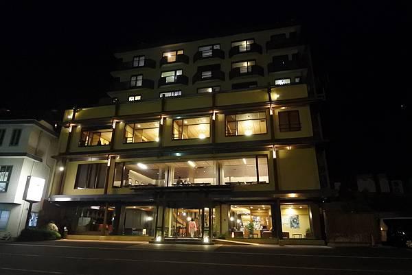 日本山梨県湖楽おんやど富士吟景:グランドロビー+外觀 (8).JPG