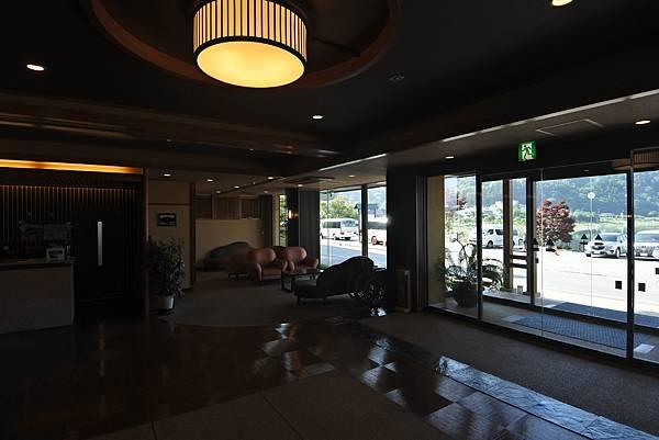 日本山梨県湖楽おんやど富士吟景:グランドロビー+外觀 (11).JPG