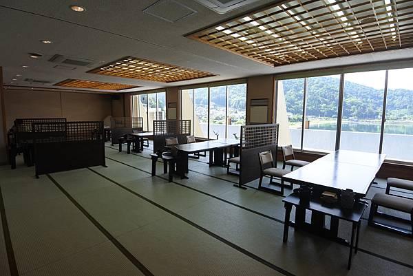 日本山梨県湖楽おんやど富士吟景:レストラン「麗峰」 (1).JPG