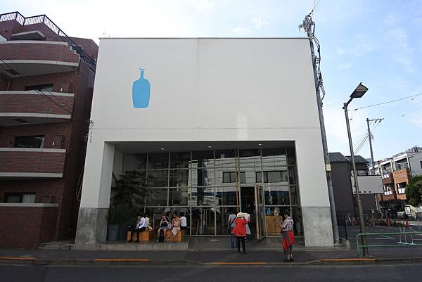 日本東京都BLUE BOTTLE COFFEE清澄白河ロースタリー&カフェ (7).JPG