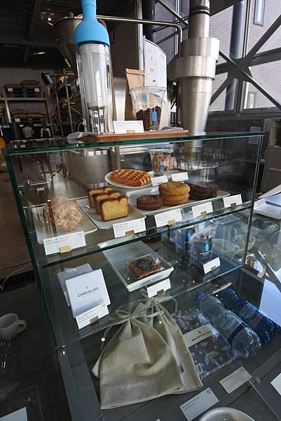 日本東京都BLUE BOTTLE COFFEE清澄白河ロースタリー&カフェ (9).JPG