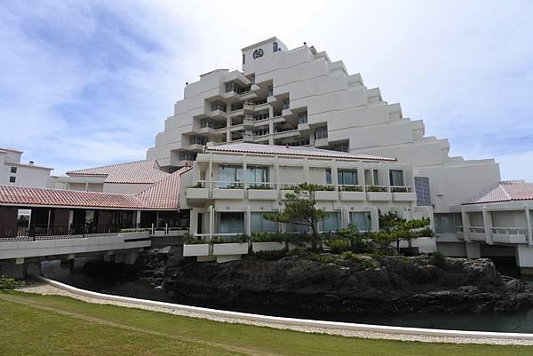 日本沖縄県シェラトン沖縄サンマリーナリゾート:外觀 (9).JPG