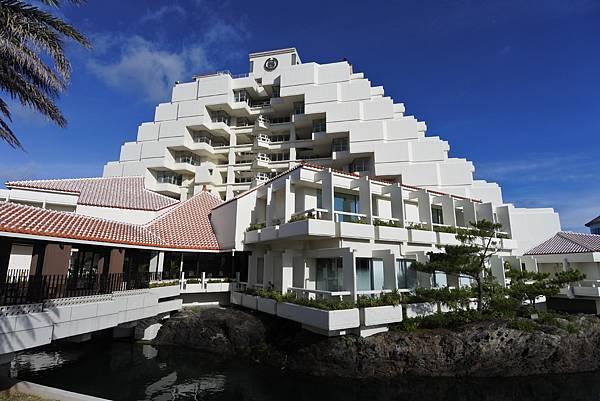 日本沖縄県シェラトン沖縄サンマリーナリゾート:外觀 (38).JPG