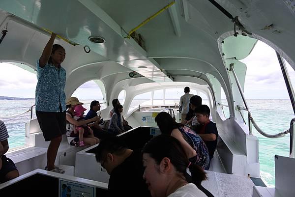 日本沖縄県ブセナ海中公園:ガラス底ボート (5).JPG