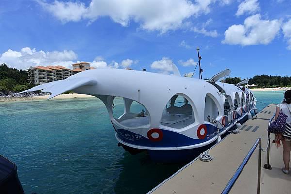 日本沖縄県ブセナ海中公園:ガラス底ボート (2).JPG