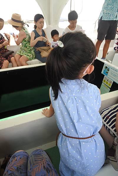 日本沖縄県ブセナ海中公園:ガラス底ボート (6).JPG