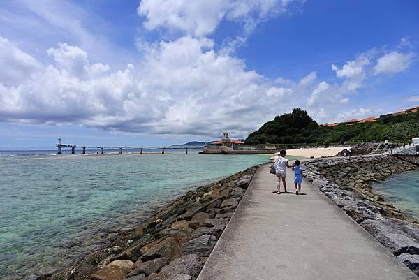 日本沖縄県ブセナ海中公園:海中展望塔 (1).JPG