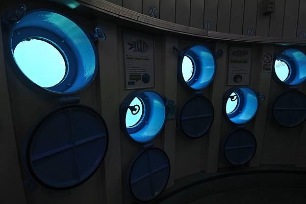 日本沖縄県ブセナ海中公園:海中展望塔 (46).JPG
