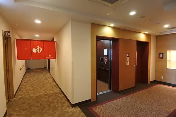 日本沖縄県ベッセルホテルカンパーナ沖縄:展望浴場 (15).JPG