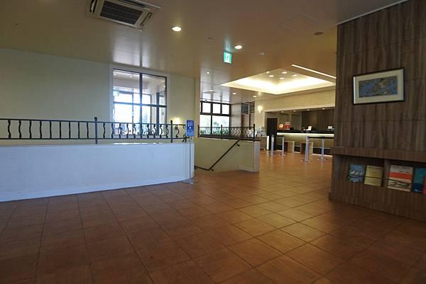 日本沖縄県ベッセルホテルカンパーナ沖縄:ロビー (2).JPG