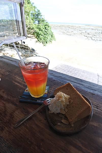 日本沖縄県浜辺の茶屋 (19).JPG