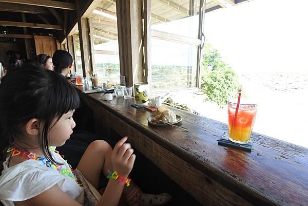 日本沖縄県浜辺の茶屋 (24).JPG