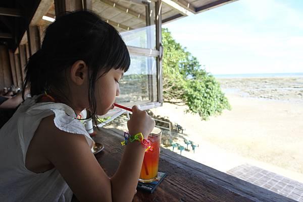 日本沖縄県浜辺の茶屋 (25).JPG