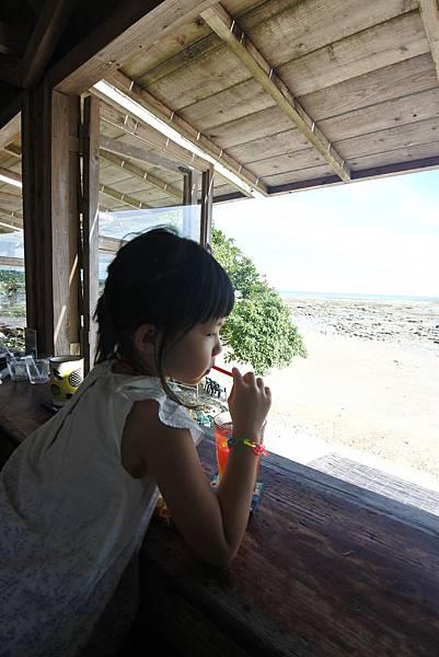 日本沖縄県浜辺の茶屋 (26).JPG