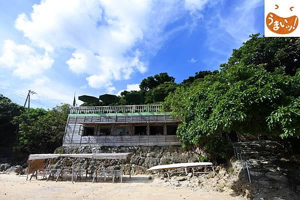 日本沖縄県浜辺の茶屋 (1).JPG