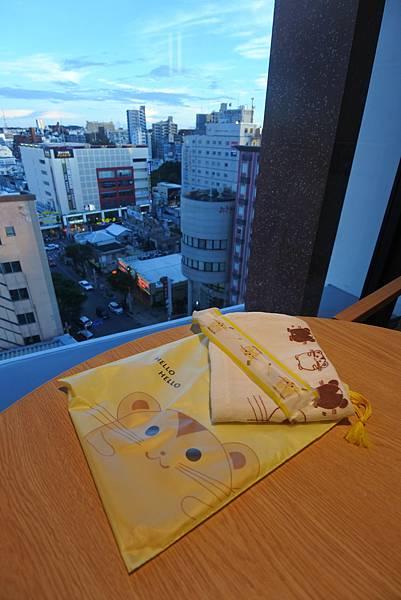 日本沖縄県JR九州ホテルブラッサム那覇:ツインルーム (12).JPG