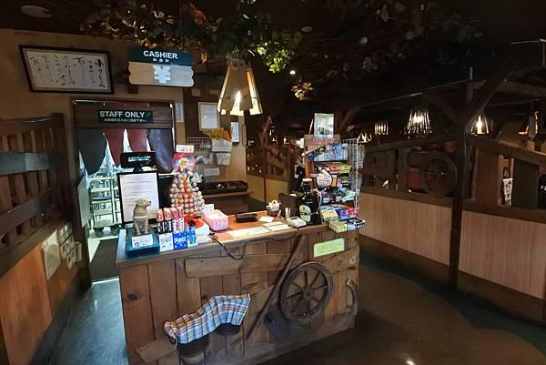 日本沖縄県ハンバーグレストランびっくりドンキーりうぼう天久店 (3).JPG