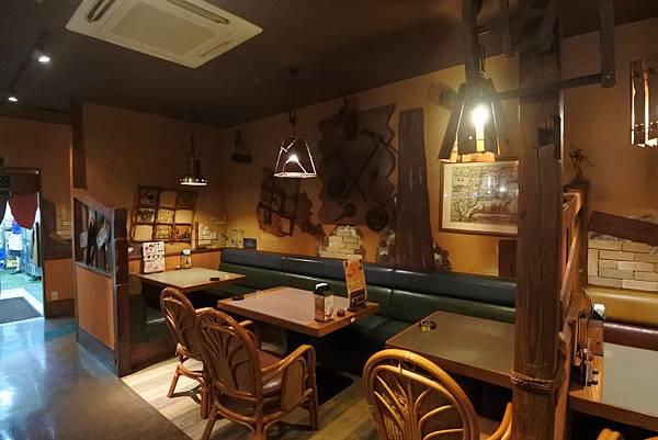 日本沖縄県ハンバーグレストランびっくりドンキーりうぼう天久店 (11).JPG