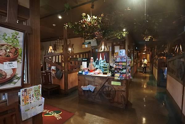 日本沖縄県ハンバーグレストランびっくりドンキーりうぼう天久店 (13).JPG