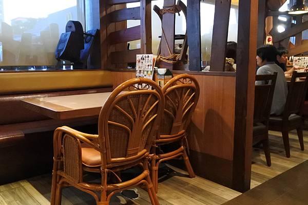 日本沖縄県ハンバーグレストランびっくりドンキーりうぼう天久店 (28).JPG